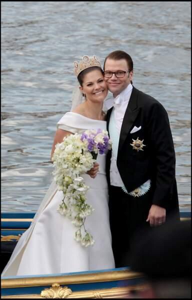 La princesse Victoria de Suède a dû se battre contre les traditions lors de son mariage avec Daniel Westling, le 19 juin 2010.