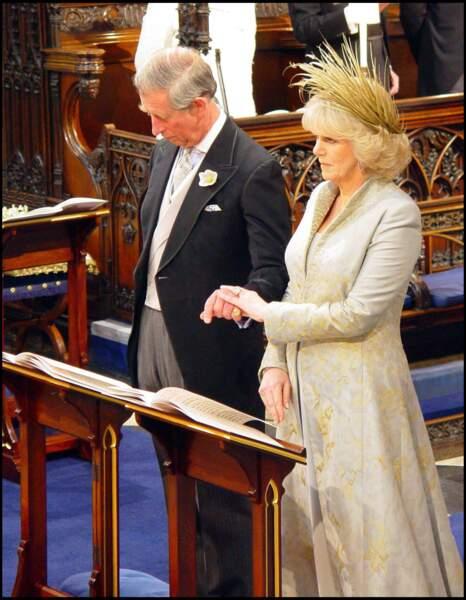 Pas de chance pour Camilla Parker Bowles, puisque lors de son mariage, elle était malade.