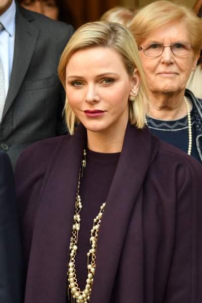 Charlène de Monaco avait opté pour un rouge à lèvres prune pour sa visite à la Croix-Rouge