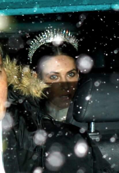 Tatiana Santo Domingo et ses convives ont dû braver la neige lors de son mariage religieux à Gstaad le 1er février 2014.