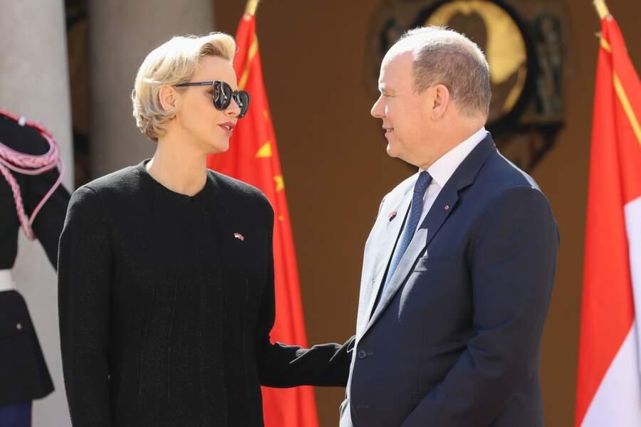 La princesse Charlene et le prince Albert II de Monaco plus complices que jamais, lors de la réception du couple présidentiel chinois, le 24 mars 2019.
