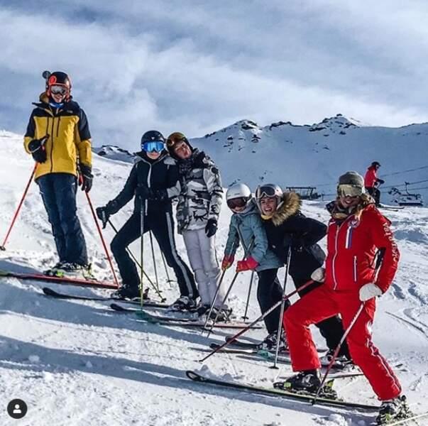 Puis direction les pistes de ski de val d'Isère pour Alessandra Sublet et sa bande de copines.