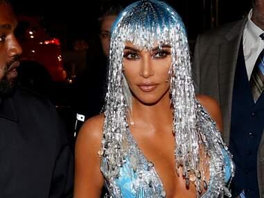 Fêtes: un look extravagant et un maquillage brillant inspiré des stars