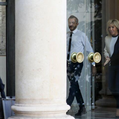 PHOTOS – Brigitte Macron en jean slim: la première dame aperçue à l'Elysée en look casual