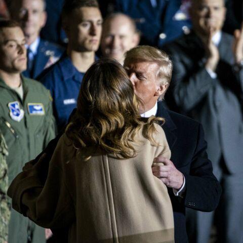 PHOTOS – Donald et Melania Trump échangent un (rare) baiser