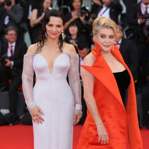 """Juliette Binoche apporte son soutien à Catherine Deneuve: """"Elle a une force incroyable"""""""