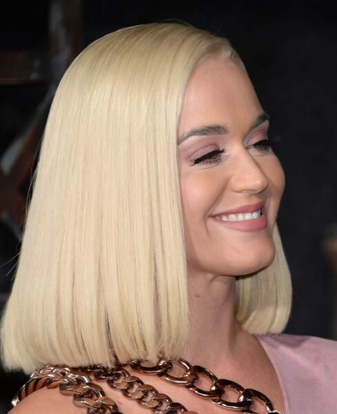 Le carré ultra lisse de Katy Perry
