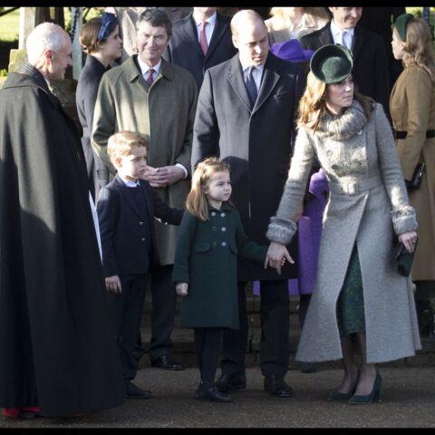 PHOTOS – La princesse Charlotte, très à l'aise, va à la rencontre des fans pour Noël