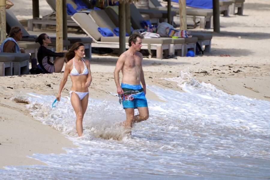 Pippa Middleton, son mari à la plage à St Barth pour Noël
