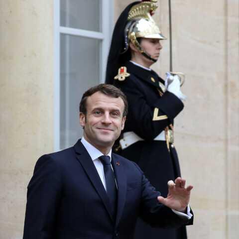 Le look décontracté d'Emmanuel Macron dans le Var va-t-il encore faire polémique?