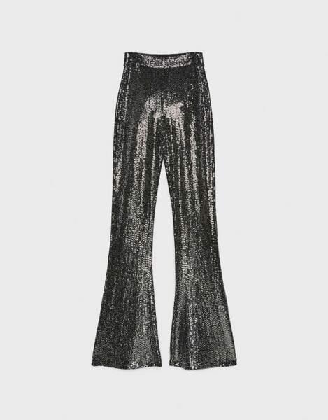 Pantalon évasé à paillettes, 35,99 €, Bershka.