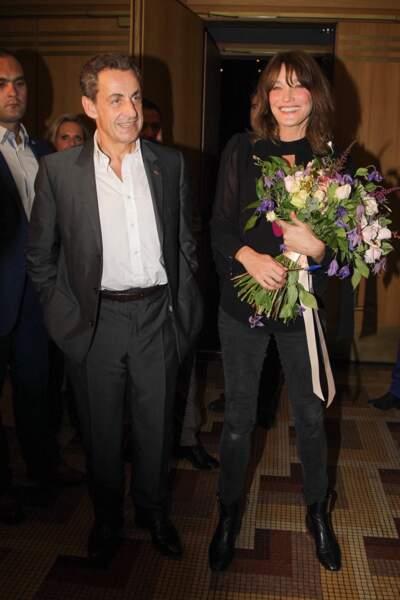 Nicolas Sarkozy le lui rend bien et se rend dès que possible aux concerts de sa femme Carla Bruni comme ici en Grèce en octobre 2017.