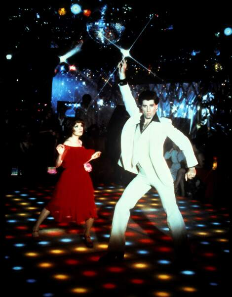 """Un pic de nostalgie fin 90's pour """"La fièvre du samedi soir"""" (1977), incarnée à jamais par Karen Lynn Gorney et John Travolta."""