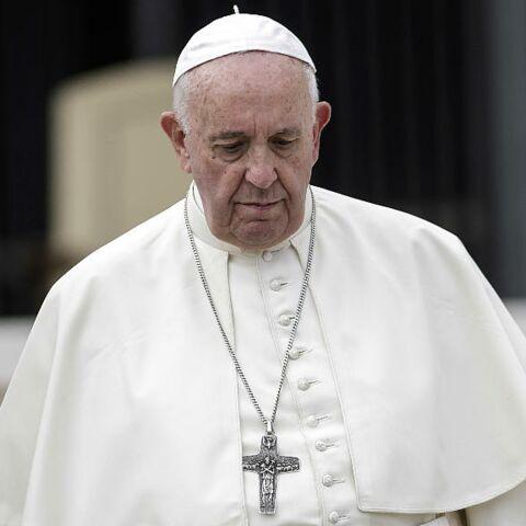 Le pape François perd ses nerfs contre une fidèle, la vidéo devient virale