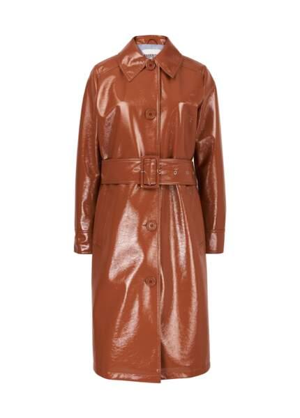 Manteau vinyle, prix sur demande, Essentiel Antwerp.