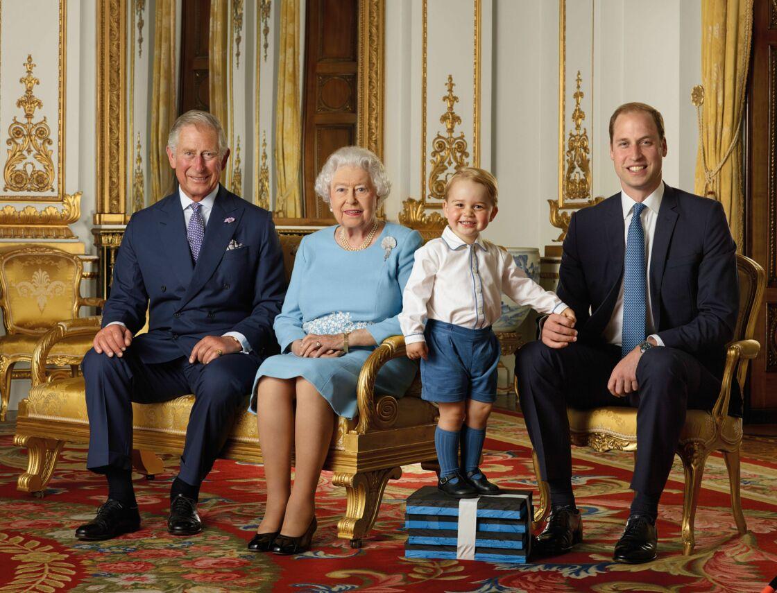 La reine Elizabeth II et ses héritiers directs au trône, en 2015