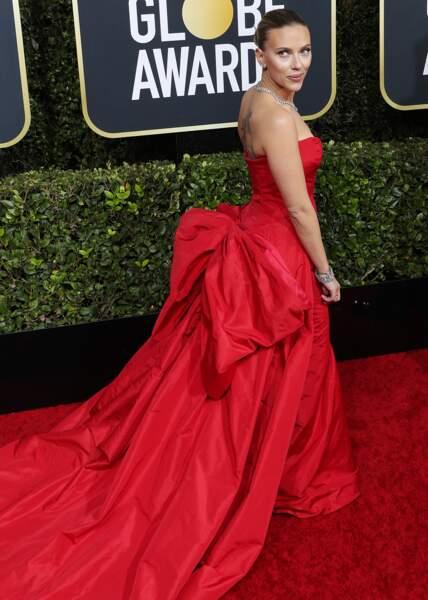Scarlett Johansson et sa sublime robe qui dévoile son tatouage hommage à sa fille, Rose.