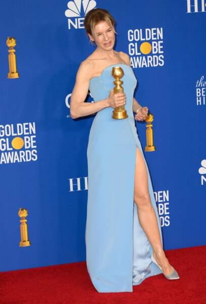 Renée Zellweger, en robe bleue fendue Armani Privé.