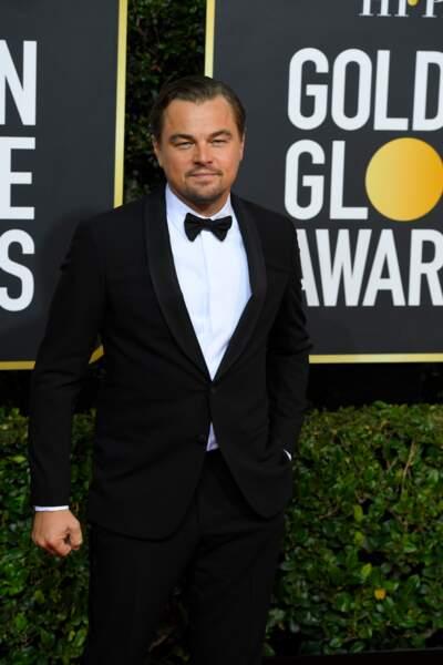 Leonardo DiCaprio toujours aussi chic dans un costume Armani Privé.