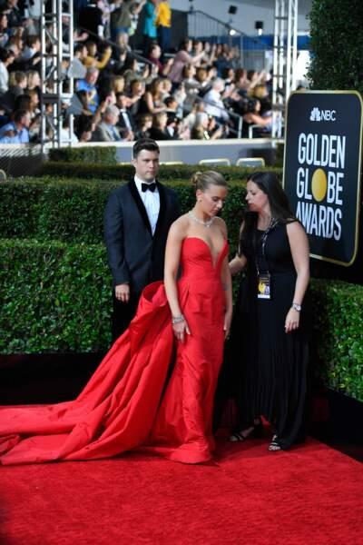 Scarlett Johansson sublime avec sa robe bustier à longue traine.