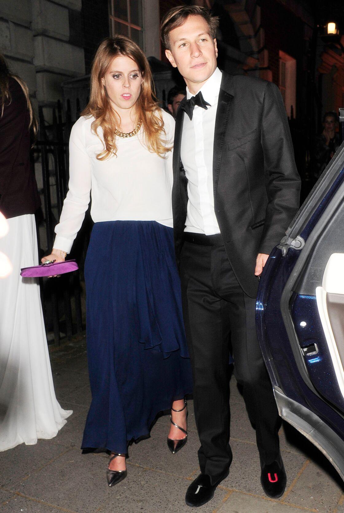 Beatrice d'York et Dave Clark, deux ans avant leur rupture, à la sortie du club londonien Annabel, en mai 2014.