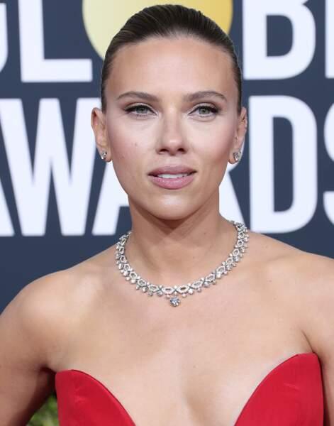 Un maquillage simple et lumineux pour Scarlett Johansson.