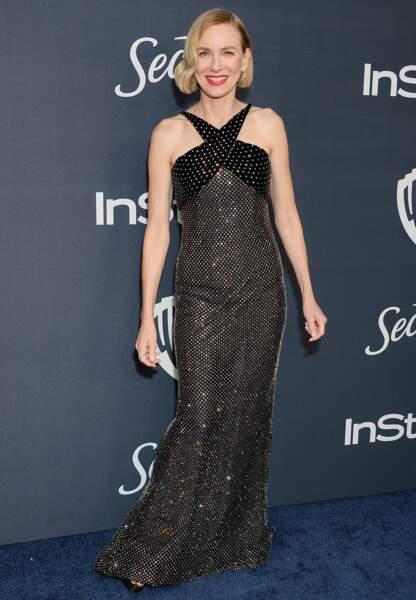 Naomi Watts élégantissime en robe longue Armani Privé Haute Couture.