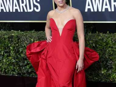 PHOTOS - Scarlett Johansson radieuse dans une robe Vera Wang au bras de son fiancé, Colin Jost.