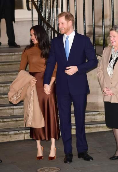 Meghan Markle, duchesse de Sussex, et le prince Harry, duc de Sussex, toujours main dans la main.
