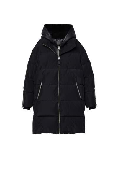 Manteau de duvet avec capuche, 950 €, Mackage.