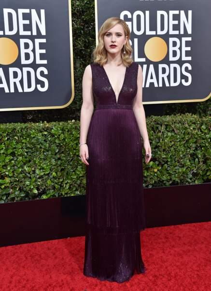 Rachel Brosnahan portait une robe Michael Kors Collection lors de la 77ème cérémonie annuelle des Golden Globe Awards.