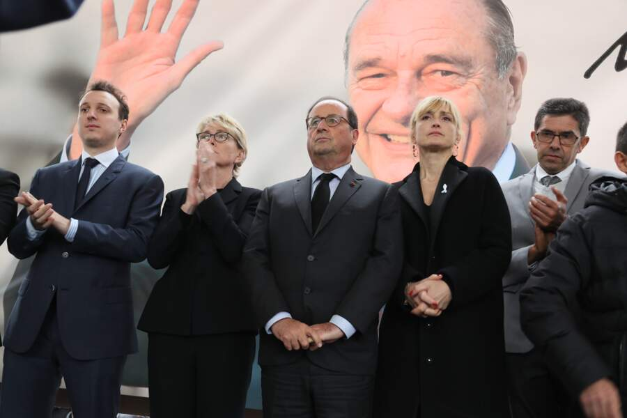 5 octobre 2019 : Julie Gayet et François hollande se sont rendus ensemble au Musée du président Jacques Chirac à Sarran, en Corrèze.