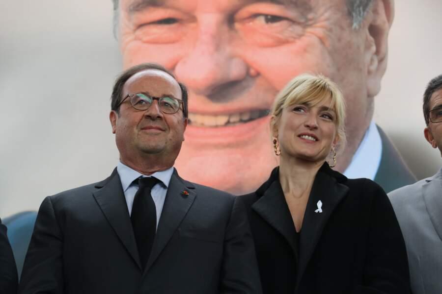 5 octobre 2019 : François Hollande et Julie Gayet lors d'un hommage en mémoire de Jacques Chirac au musée en Corrèze.