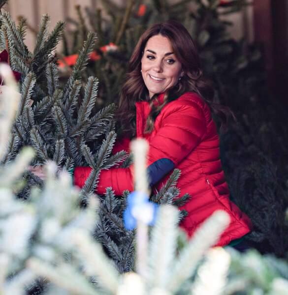 Pour Kate Middleton, une seule chose peut être rouge : sa doudoune !