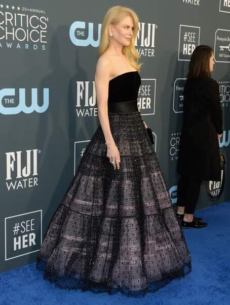 Une jolie robe bustier signée Armani Privé pour Nicole Kidman.