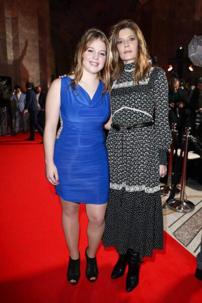 Justine Lacroix (C'est ça l'amour) et sa marraine Chiara Mastroianni