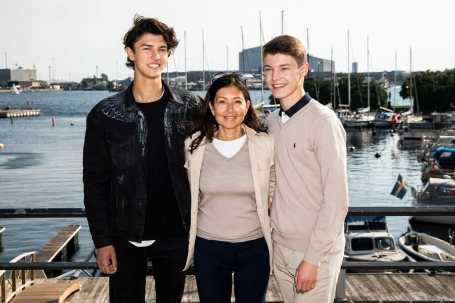 Le prince Nikolaï de Danemark accompagné de sa mère, la comtesse Alexandra et de son frère, le prince Felix de Danemark