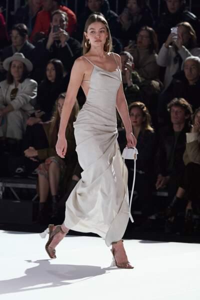 C'est Gigi Hadid qui a terminé le show Jacquemus avant le final.