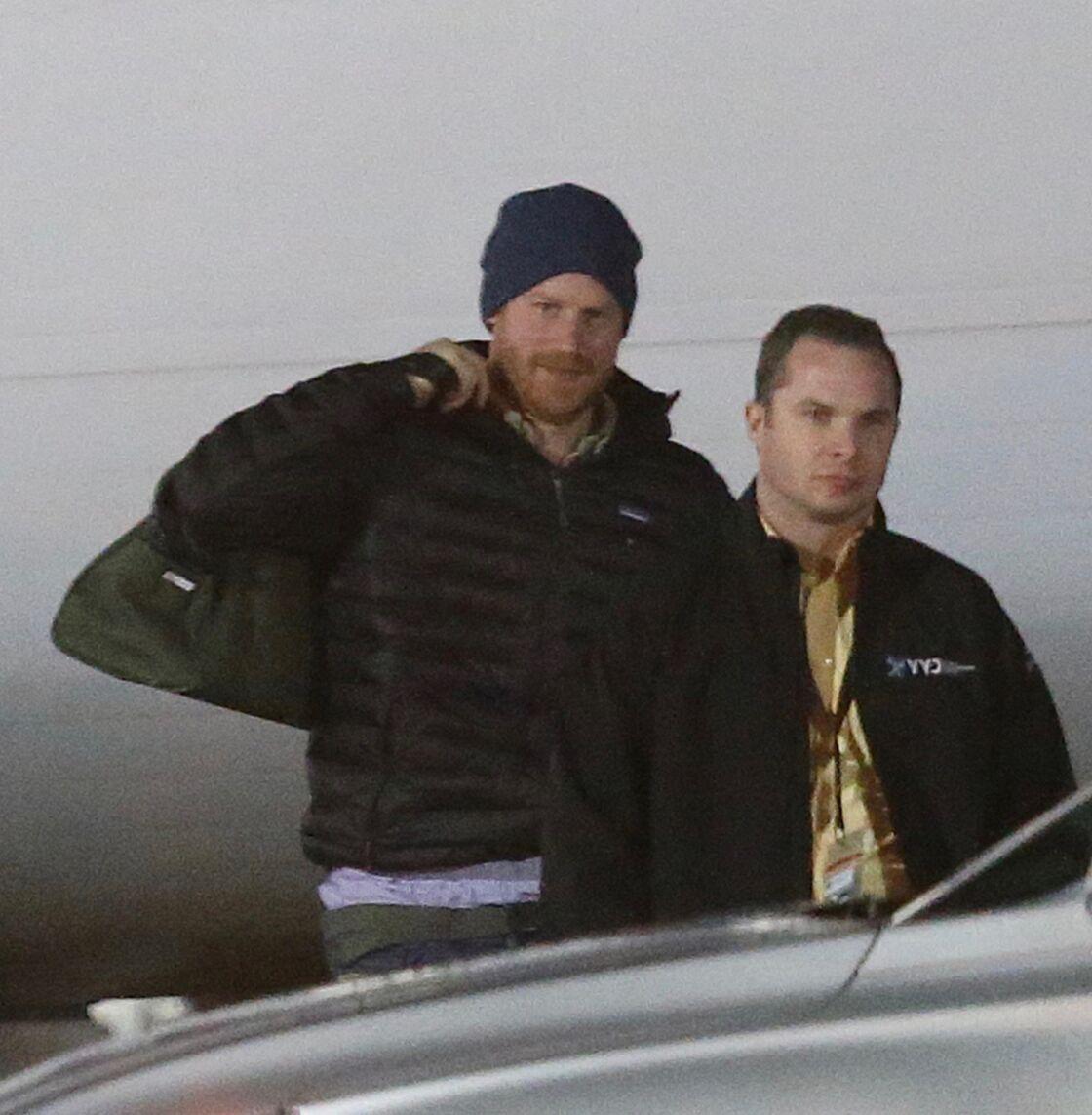 Le prince Harry atterrit à l'aéroport de Victoria, au Canada, le 20 janvier 2020.