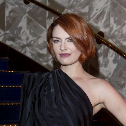 PHOTO – Elodie Frégé change de coupe de cheveux et craque pour un carré court tendance