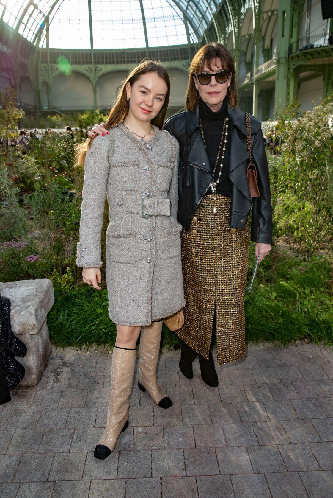 Caroline de Hanovre et sa fille, Alexandra de Hanovre au défilé Chanel Haute Couture 2020.
