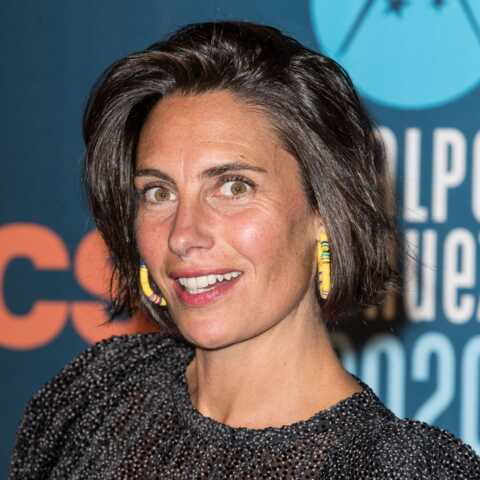 PHOTO – Alessandra Sublet: découvrez la marque de ses boucles d'oreilles de surfeuse!