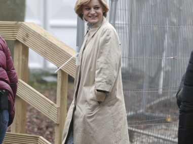 PHOTOS - The Crown : Emma Corrin est Lady Diana, et la ressemblance est incroyable !
