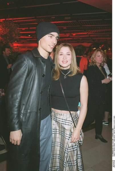 2001 : Lara Fabian accompagnée de Damien Sargue est à la première de Romeo et Juliette.
