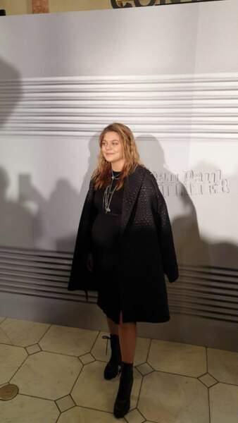 Louane a fait sensation au photocall du défilé Jean-Paul Gaultier