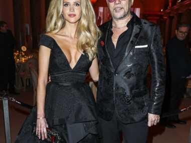 PHOTOS - Pascal Obispo (The Voice) : son épouse Julie fait tourner les têtes dans une robe audacieuse