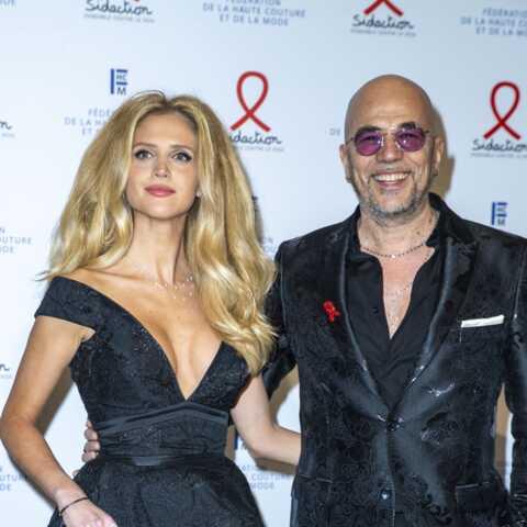 PHOTOS – Pascal Obispo (The Voice): son épouse Julie fait tourner les têtes dans une robe audacieuse