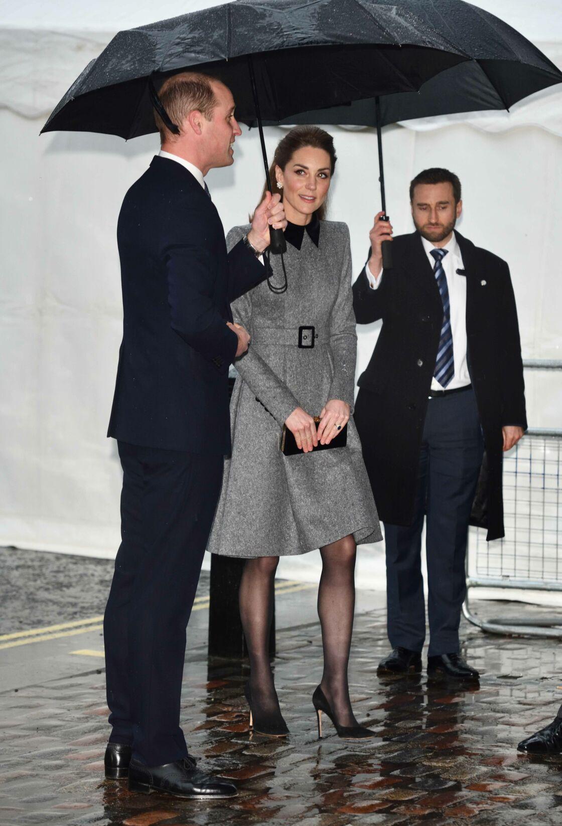 Kate Middleton recycle sa robe cintrée Catherine Walker pour les commémorations de l'Holocauste.