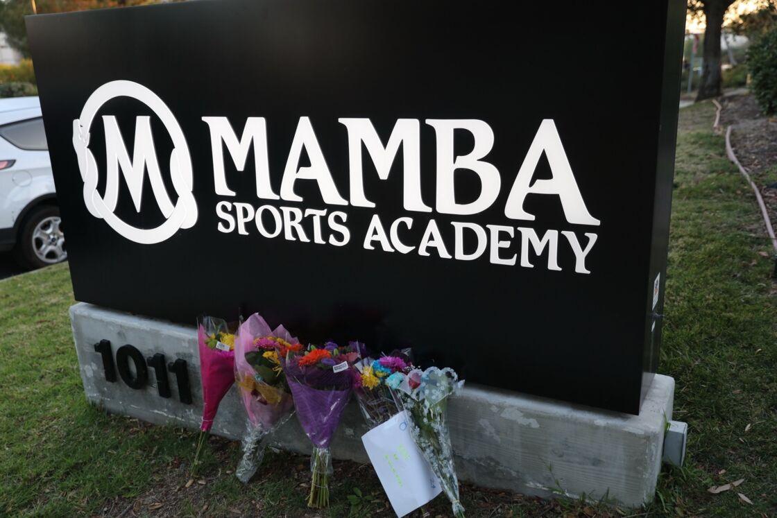 Hommage devant la Mamba Sports Academy, où se rendaient tout l'équipage avant l'accident, à Thousand Oaks, le 26 janvier 2020.
