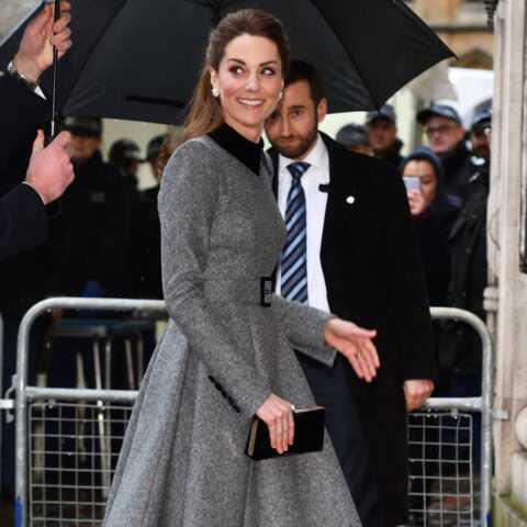 Kate Middleton chic et sobre: elle recycle sa robe Catherine Walker pour les commémorations de l'Holocauste